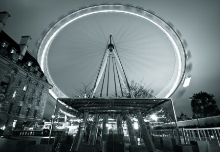 amazing ferris wheel in gray scale - ferris wheel, movement, city, gray