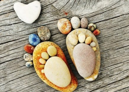 Love on the Rocks - cute, board, rocks, photography, foot
