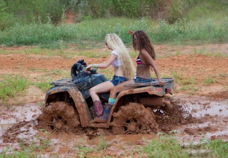 Mud Quad - dirty, quad, mud, Blonde