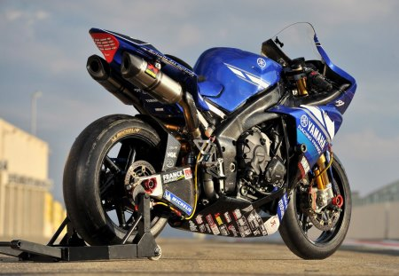 Yamaha YZF R1 - racing, yamaha, yzf, bike, motorcycle, blue