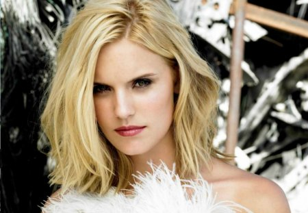 Maggie Grace Jones Actresses People Background Wallpapers On