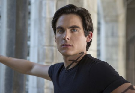 Kevin Zegers As Alec Lightwood Movies Entertainment