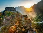sunbeams over the great wall of china hdr