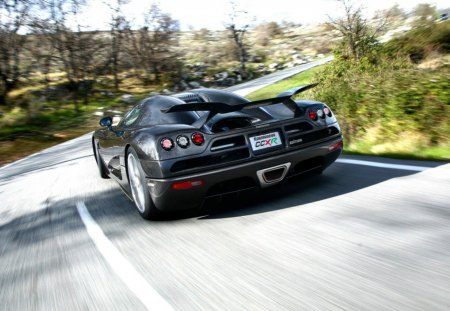koenigsegg car on turn - koenigsegg, turn, road, car