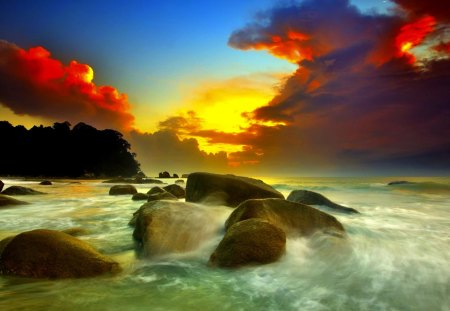 SUNSET CLOUDS - rocks, sunset, waves, streams, clouds, glyby, sea