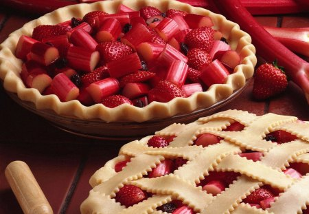 Making of a Strawberry Rhubarb Pie - red, strawberry, rhubarb, abstract, sweet, dessert, fruit, bakery, crust, pie