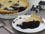 Blueberry Pie with Vanilla Ice Cream