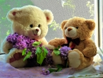 Cute teddy bears with lilac