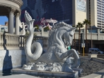 Las Vegas Statue 2
