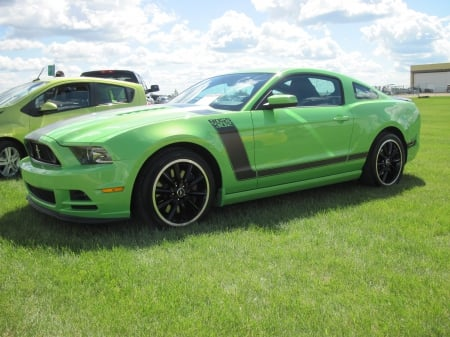 2013 Ford Mustang Boss 302 coupe - Ford, photography, green, black, tires