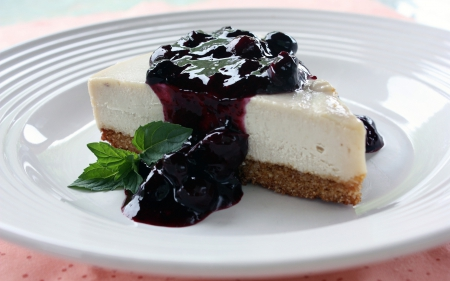 Blueberry Topping Cheesecake - topping, delicious, cheesecake, abstract, sweet, dessert, bakery, crust, green, blueberry, plate, white