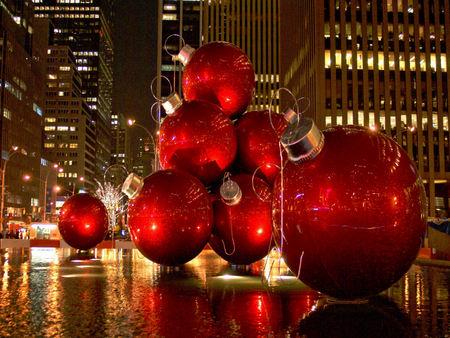 red christmas tree ornaments new york city - Big Christmas Tree In New York