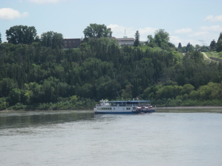 Powerboats cruising the River - photography, green, nature, Powerboats, trees, Rivers