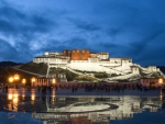 the great potala palace in lhasa tibet