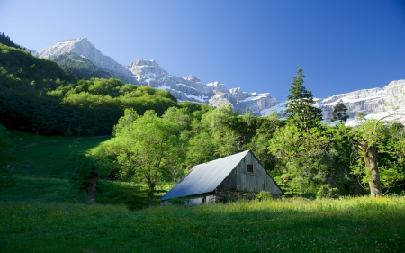 cabin on the slopes of beautiful mountain - slopes, grass, mountains, cabin, trees