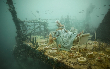 Marie Antoinette on Titanic - underwater, art, marie antoinette, beautiful, creative, woman, titanic, photography, fantasy, girl, wallpaper, fashion