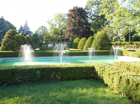 Hedge Grove at High Park - High, Park, Toronto, Canada, Fountains