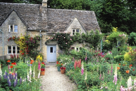 English Cottage Garden Cotswolds