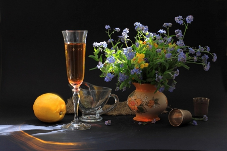 Forget me not - fruits, background, yellow, vase, beautiful, small, still life, photography, flowers, drink, forget me not, blue, table, colors, black, abstract, freshness, lemon, glass, dark, simple, brautiful