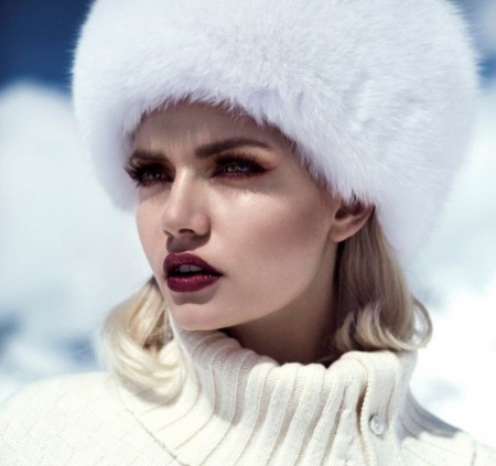 white fur - models, female, white, lips, furs, fashion