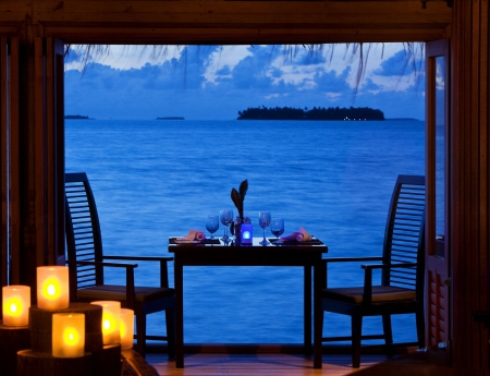 Beautiful Romantic Dinner By The Sea Beaches Amp Nature
