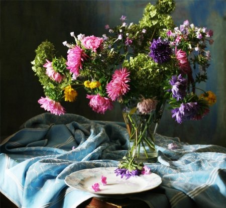 Last chrysanthemums before coming snow - autumn, saucer, before, seasons, cold, still life, flowers, pink, last, table, winter, glass, water, coming snow, purple, chrysanthemums, nature