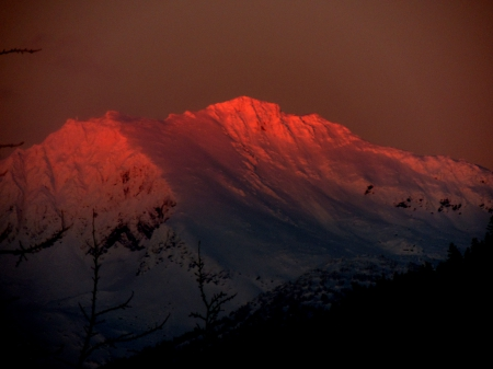 Alpineglow at Whistler - Mountains, Alpineglow, Snow covered peaks, Sunset