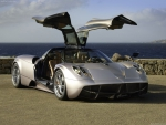 Pagani Huayra 0-62mph in 2.5 sec, top speed 231mph
