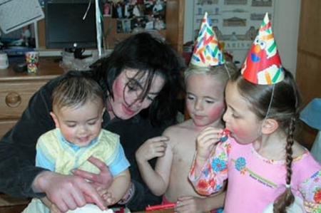 Only L♥VE - family, michael jackson, love, together, children, party, adorable, beautiful