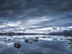 beautiful lake kleifarvatn in iceland