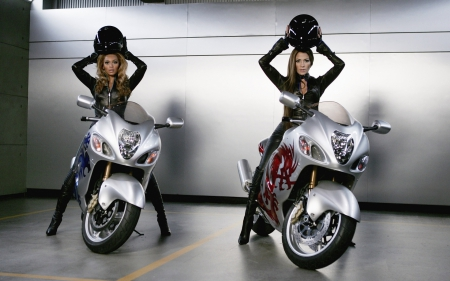 ★ - Beyonce and Jennifer Lopez - ★ - outfit, beyonce, jennifer lopez, motorcycles, latex, style