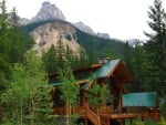 cathedral mountain lodge in yoho park canada