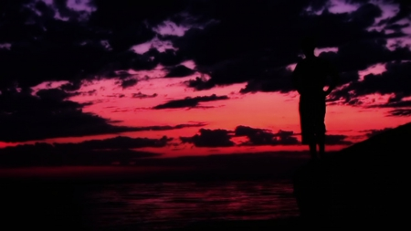 Staring at a beautiful sky - Sky, Clouds, Silhouette, Beautiful, Purple sky, Ocean