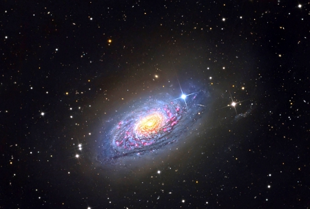 Messier 63: The Sunflower Galaxy - stars, cool, space, fun, galaxy
