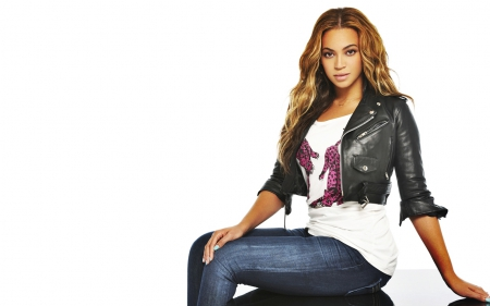Beyonce - dress, celebrity, music, beyonce knowles, singer, songwriter, dancer, entertainment, beyonce, people