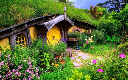 Hobbiton-new-zealand - hobbit, colorful, house, plants, flowers, nature, forces of nature, sky
