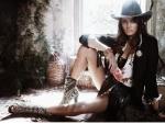 Cowgirl Isabeli Fontana