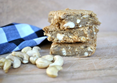 Cashew Blondies - cool, yummy, entertainment, Cashew Blondies, fun, foods
