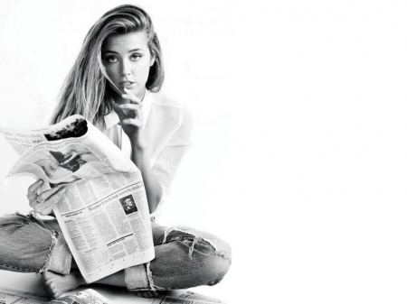 Amber Heard - Heard, newspaper, model, actress, Amber Heard, black white, beautiful, Amber