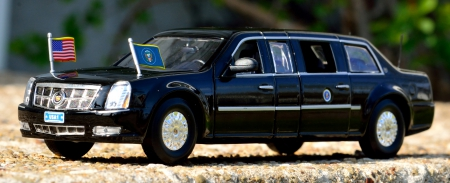 The Beast - limousine, The Beast, obama, limo, presidential limousine, presidential limo