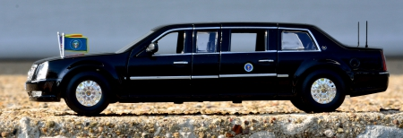 The Presidential Limo - limousine, the beast, The Presidential Limo, The Presidential Limousine, obama, limo