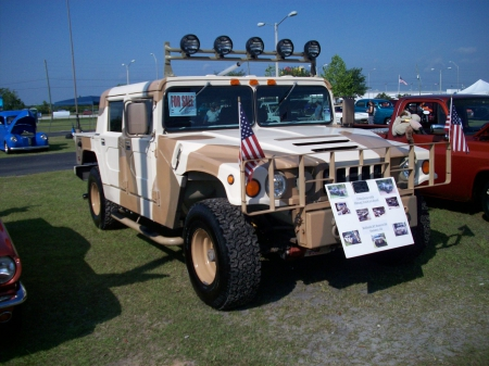 Miltary Hummer - Light Bar, GM, Camo, American Flag