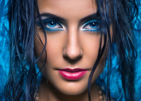 Gorgeous Eyes - lips, eye shadow, gorgeous face, wet hair, girl, blue background, makeup, beauty, blue eyes, eyes