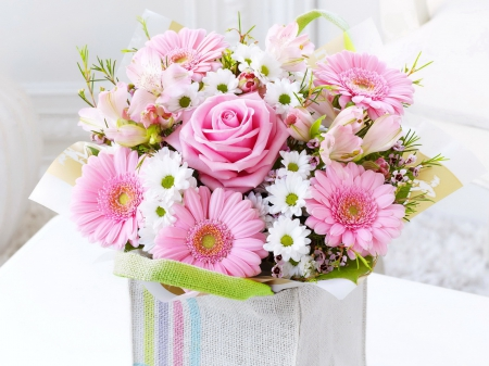 Lovely bouquet - pretty, lovely, scent, beautiful, roses, fragrance, delicate, daisies, garberas, leaves, nice, bouquet, flowers, pink, harmony