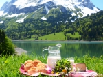 Breakfast Mountain