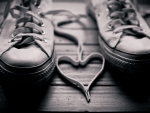 shoes laces heart