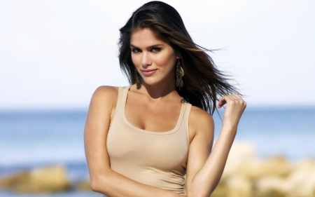 Anahi Gonzales - Model, Beach, Brunette, Pose
