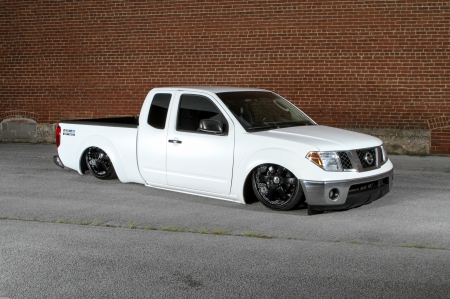 2005-Nissan-Frontier - White, Slammed, Black Wheels, 2005