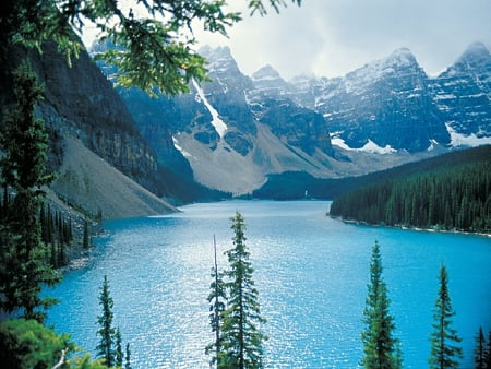 Moraine Lake - Rocky Mountains - moraine lake, alberta, moraine, rocky mountains, lake, rockies, canada