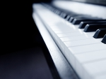 Windows 8.1 Piano Background 1